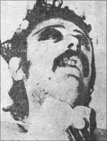 Ο Χρήστος Κασσίμης νεκρός σε ένοπλη συμπλοκή με αστυνομικούς στις 21.10.1977 στην οποία σκοτώθηκε και στην οποία φέρεται να συμμετείχε και ο Χ. Τσουτσουβής